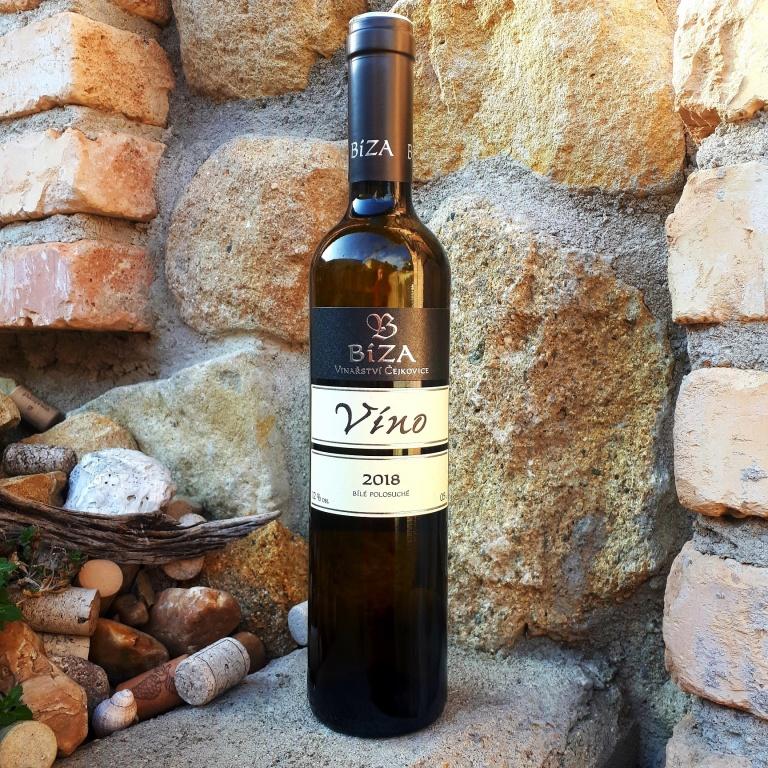 Víno (jahody) 2018 - Vinařství Bíza - polosuché, známkové